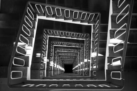 螺旋階段トップ ビュー黒と白
