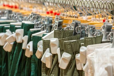 EAS 도난 방지 태그 가게에서 옷을 스톡 콘텐츠 - 27301554