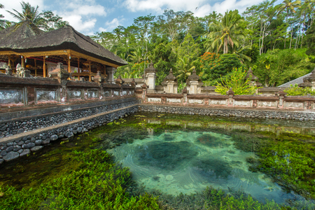 pura: Pura Tirta Empul Temple, Bali, Indonesia.