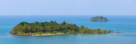 trat: Beautiful tropical island landscape. View from Koh Chang to Koh Man Nai. Panorama shot
