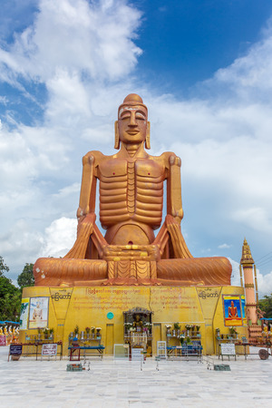 Mandalay, Myanmar - October 2, 2016: Skinny Buddha statue in Mandalay, Burma. Редакционное