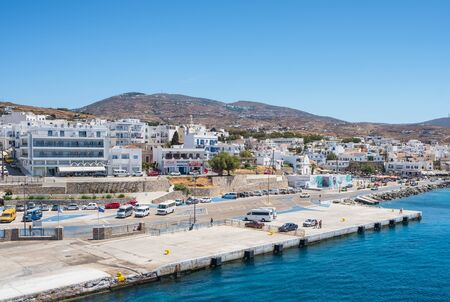 Muelle de Gavrio en la isla griega de Andros, Cyclades, Grecia