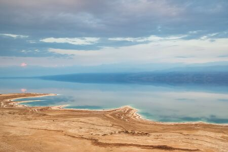View of Dead Sea coastline in Israel. Texture of Dead sea. Archivio Fotografico