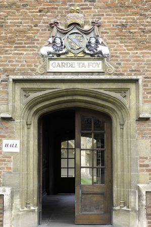 higher intelligence: Composed of thirty one colleges (one of which is named Magdalene), the university in the city of Cambridge (England) attracts young people from around the world hoping to gain a vintage education as well as great exam results under the guidance of diistin