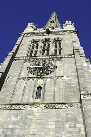 pin�culo: torre de la iglesia y pin�culo