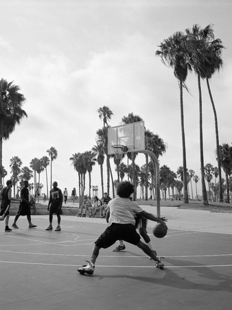 Outdoor basketball at Venice Beach