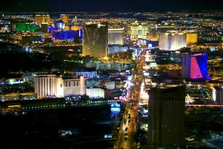 vegas strip: Las Vegas at night