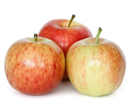 manzana: manzanas frescas de gala sobre el fondo blanco Foto de archivo