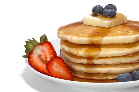 hot cakes: panqueques con frutas, mantequilla y alm�bar
