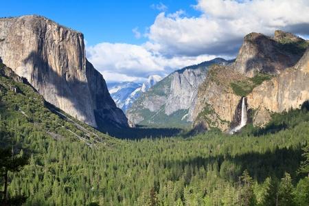 Tunnel view, Yosemite National Park Stock Photo - 13328773