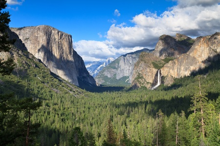 Tunnel view, Yosemite National Park photo