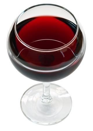 glas rode wijn op een witte achtergrond