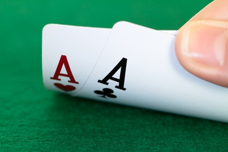 hold'em: two aces in hand