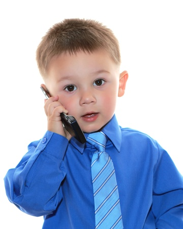 흰색 배경 위에 전화와 귀여운 비즈니스 남자 스톡 콘텐츠