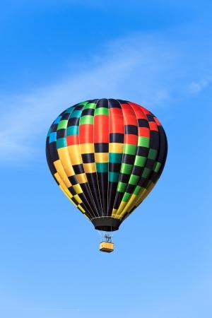 air baloon: hot air balloon