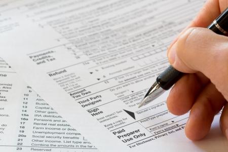 federal tax return: sign here