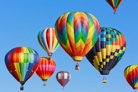 カラフルな熱気球 写真素材
