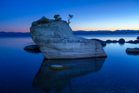 盆栽岩、レイク ・ タホ 写真素材