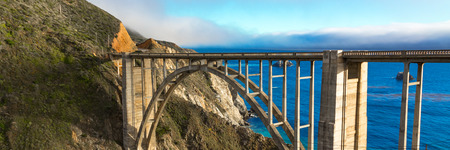 california coast: Hist�rico puente de Bixby, costa de California