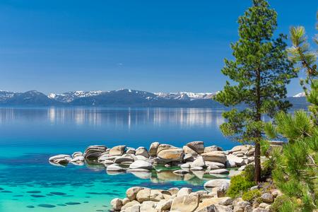 turquesa: Aguas color turquesa del Lago Tahoe