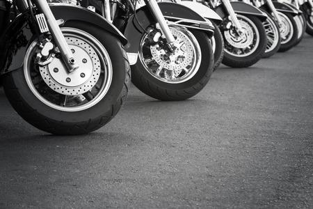 Motorfietsen in een rij