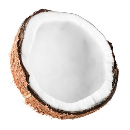 aceite de coco: Coco agrietado aislado en fondo blanco