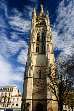 Tour Pey-Berland campanile and main square in Bordeaux, France Stok Fotoğraf