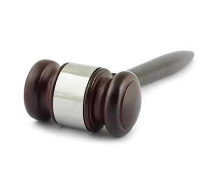 order in the court: Martillo de juez aislada sobre fondo blanco