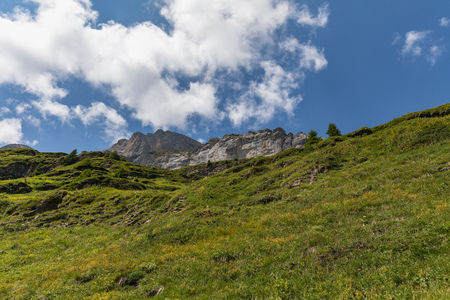 Amazing landscape on high mountain route through the Gemmi Pass in Switzerland, Europe Imagens