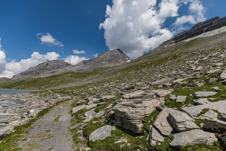 Amazing landscape on high mountain route through the Gemmi Pass in Switzerland, Europe 版權商用圖片