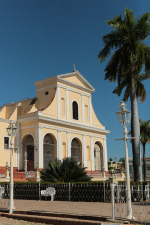 mayor: Church of the Holy Trinity ath the plaza mayor in Trinidad, Cuba