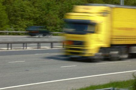 camion allant rapidement