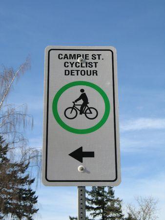 detour: cyclist detour sign