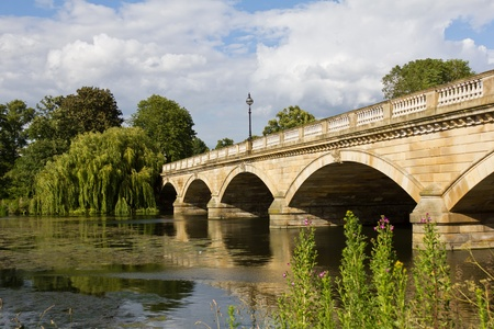 hyde: Serpentine Bridge in Hyde Park, London, UK