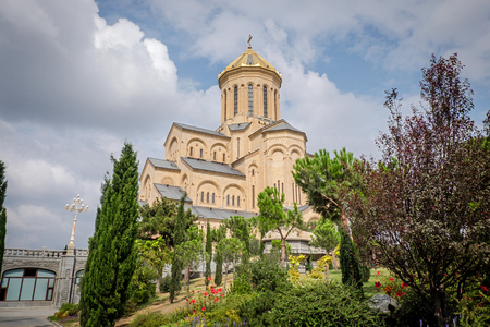 synthesis: The Holy Trinity Cathedral of Tbilisi known as Sameba