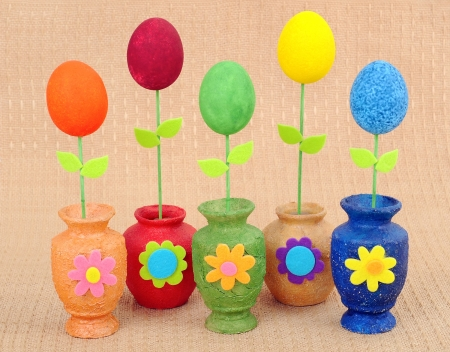 handwork: Handwork vases with the painted Easters eggs