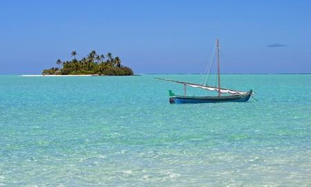 dhoni boat in the Maldives      photo