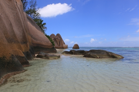 d argent: pink rocks of seychelles coast