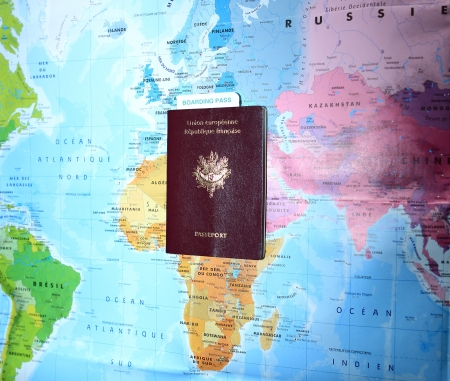 boarding card: passaporti e carte di imbarco