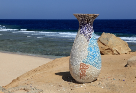 jar and red sea