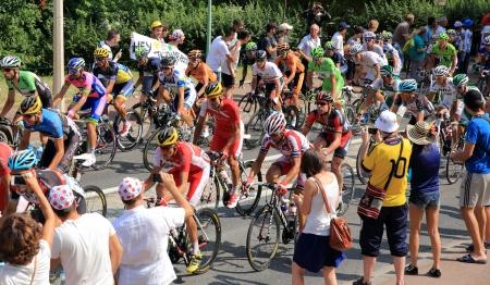 race the tour de france