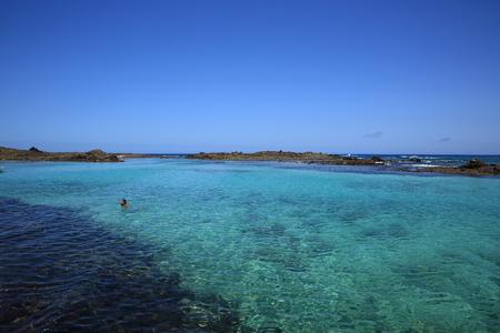 blue lagoon: laguna blu dell'isola di canarino