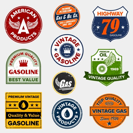 estacion de gasolina: Conjunto de signos clásicos retro de gasolina y las etiquetas Vectores
