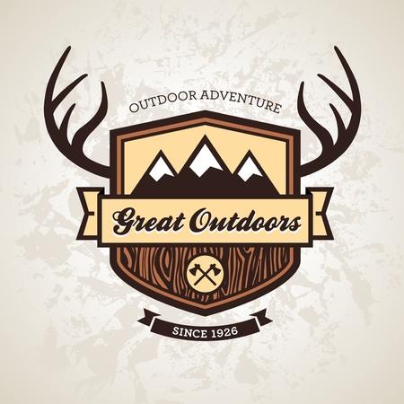 Bois extérieur sur le thème emblème avec des montagnes et les bois