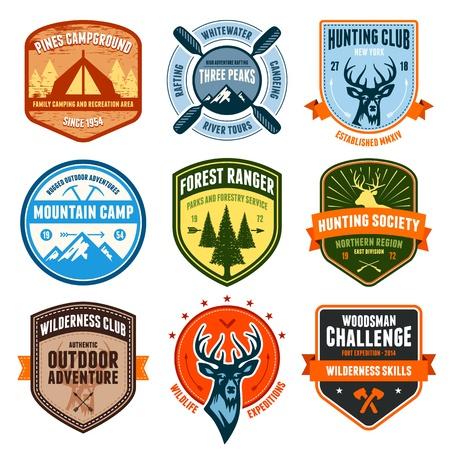 Set de badges aventure en plein air et des emblèmes de chasse Banque d'images - 18025984