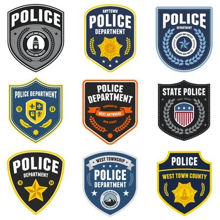 Juego de placas de policía encargados de hacer cumplir la ley y los parches