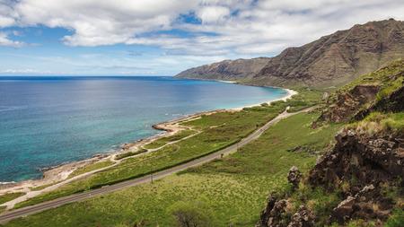Kaena 포인트 비치 아름 다운 경치와 오아후, 하와이, 미국의 서쪽에 능선에서 본도.