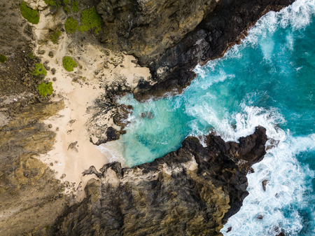 Scenic drone aerial seascape view of Halona Cove coastline on Oahu, Hawaii, USA. 스톡 콘텐츠 - 106363588