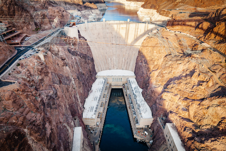 Hoover Dam at Lake Mead on the border of Nevada and Arizona in southwestern United States is considered the eigth wonder of the world. 스톡 콘텐츠 - 122470307