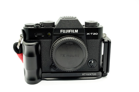 Largs, Scotland, UK - November 22, 2018: Fujifilm X-T20 Camera body being the smaller brother to the X-T2. This camera has the new X-Trans™* CMOS III sensor which is APS-C and also has many of the p 報道画像